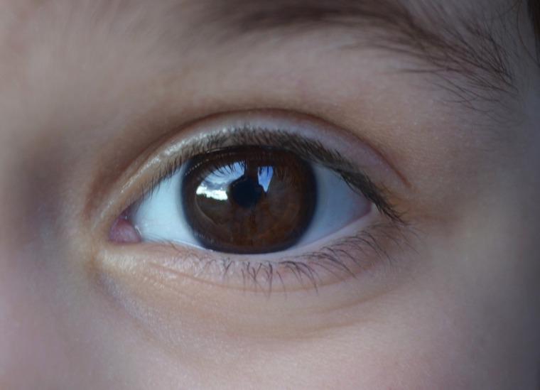 eye-1030343_1280